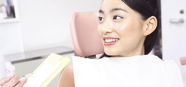 診察を受ける患者のイメージ写真